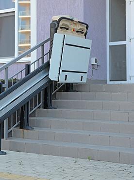 Rollstuhllift & Plattformlift Innen Außen - Cama Liftsysteme