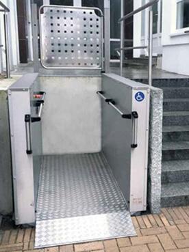 Senkrechtlift | Hublift | Treppenplattformlift sani trans HB-1300
