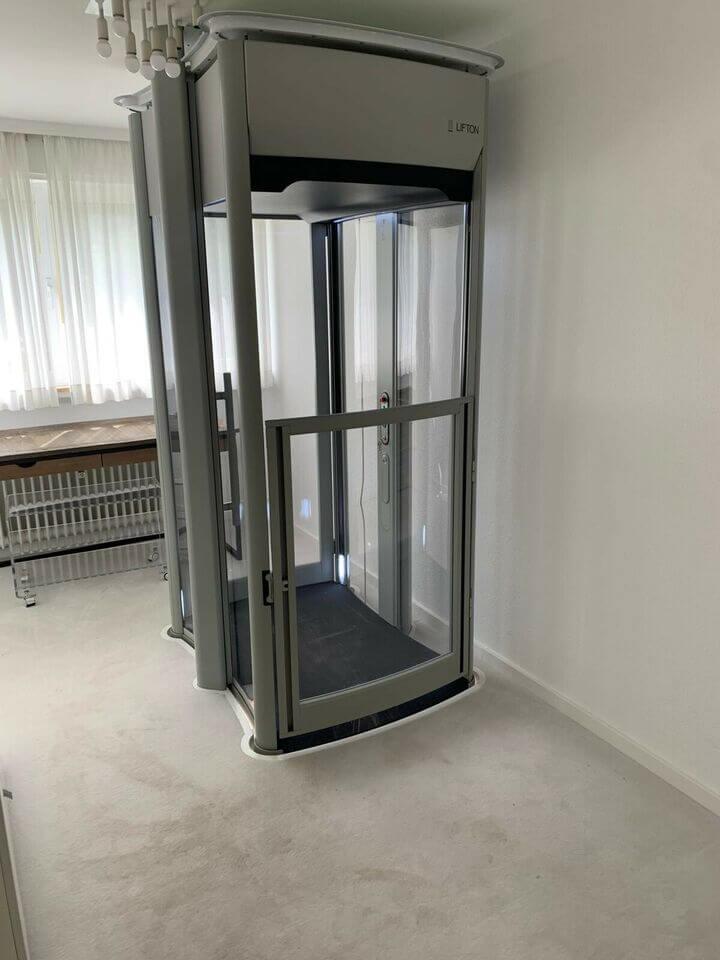 Homelift / Senkrechtlift als Alternative zum Treppenlift