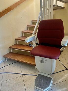 Lifta Sitzlift- Modell 260, barrierefreies Fahren, bequeme Sitzfläche