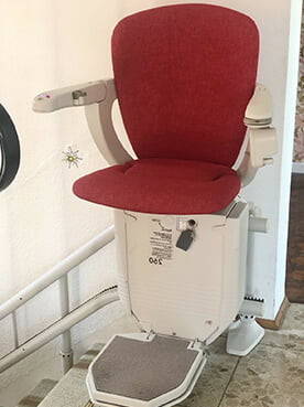 Sitzlift Innen, Lifta Liftsysteme, Klassik 5000, Leben mit Pflegegrad