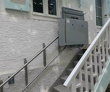 Kosten für Plattformlifte, gerade Treppe
